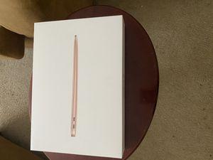 Mac book air 2020 13inch I5 (8GB ram)256 rom 700 obo for Sale in Altamonte Springs, FL