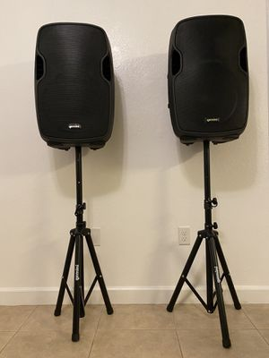 Gemini Powered pair of speaker with microphone and cables for Sale in Miami, FL