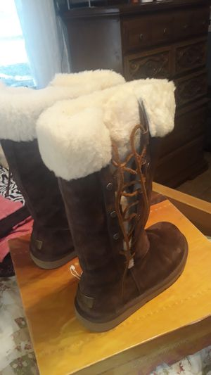 Ugg Australian brown mid calf boots size 7 for Sale in Midlothian, TX