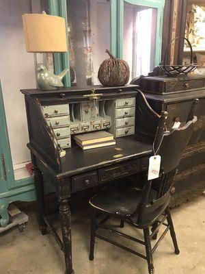 Vintage Farm Style Roll Top Desk for Sale in Phoenix, AZ