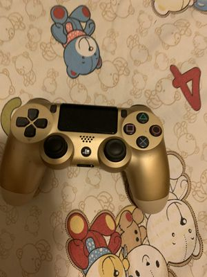 Gold PS4 Controller used for Sale in Alhambra, CA