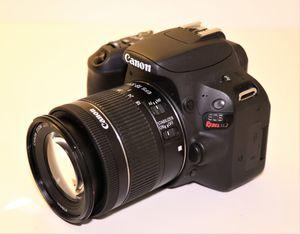 Canon SL2 digital camera with 18-55mm lens for Sale in Miami, FL