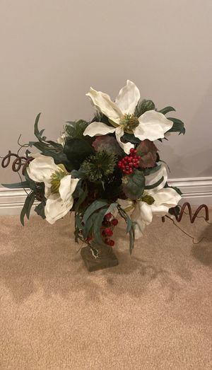 Holiday flower arrangement in ceramic pot for Sale in Orland Park, IL