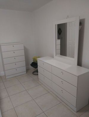 GREAT SALE NEW BEAUTIFUL DRESSER WITH MIRROR AND CHEST for Sale in Biscayne Park, FL