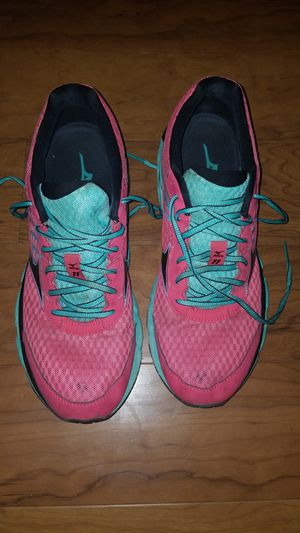 Mizuno mens shoes size 10.5 for Sale in Laurel, MD