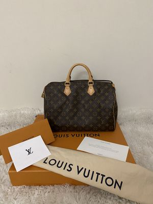AUTHENTIC LOUIS VUITTON SPEDDY 35 COMES WHIT RECEIPT DUST BAG ONLY MESAGE ME IF YOU READY TO PICK IT UP THANK YOU for Sale in Modesto, CA