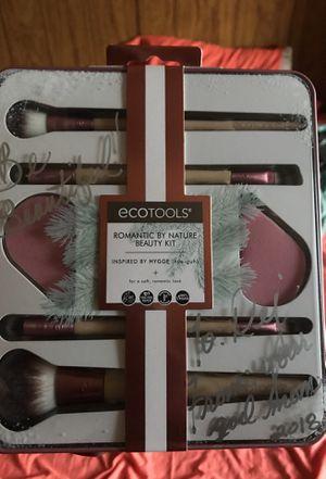 Make up brushes ! for Sale in Philadelphia, PA