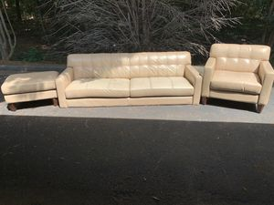 COUCH SET WITH OTTOMAN for Sale in Snellville, GA