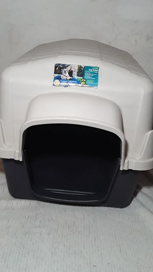 $50 Small dog house dimensions of 29 inch x 22 inch x 21 inch for Sale in East Point, GA