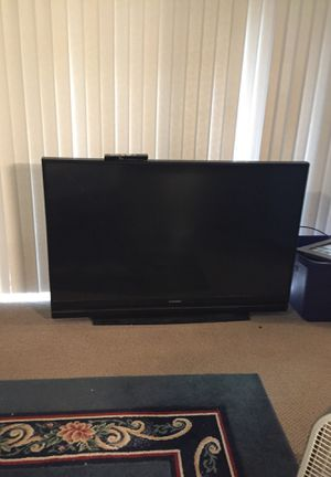 60 projection tv -works but has many little white dots on the screen for Sale in Palm City, FL