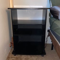 Night Stand/ Plant Stand for Sale in Tualatin,  OR