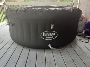 Saluspa inflatable hot tub for Sale in Jessup, MD