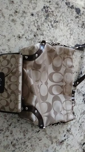 Coach purse slightly used with wallet good condition no trades no shipping for Sale in Fresno, CA