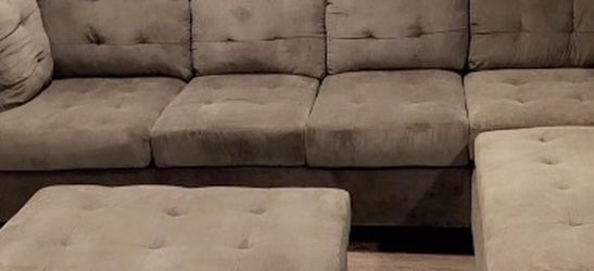 Sectional Couch for Sale in Joint Base Lewis-McChord,  WA