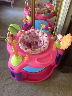 Bouncer, booster seat w/toy tray, size 4 diapers, bottles for Sale in Hollister,  CA
