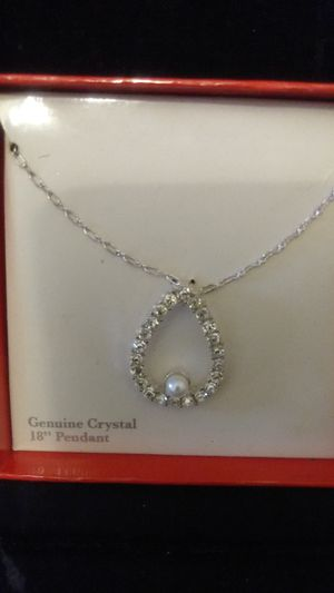 Vintage pearl and Crystal necklace for Sale in Erwinna, PA