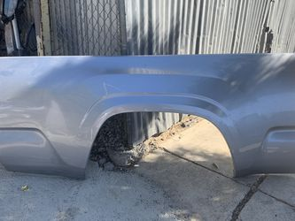 2016-2018 TOYOTA TACOMA RH QUARTER PANEL OEM for Sale in Los Angeles,  CA