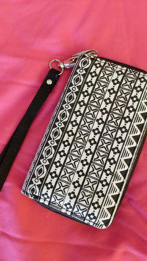 Claire's Black & White Fabric Wristlet Wallet for Sale in Manassas, VA