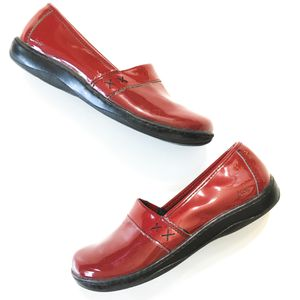 BOC by Born Women's size 8.5 M classic slip on clogs loafers with low heels in rich ruby red patent leatherette for Sale in Ontario, CA