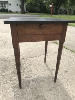 Vintage End Table for Sale in Reynoldsburg, OH