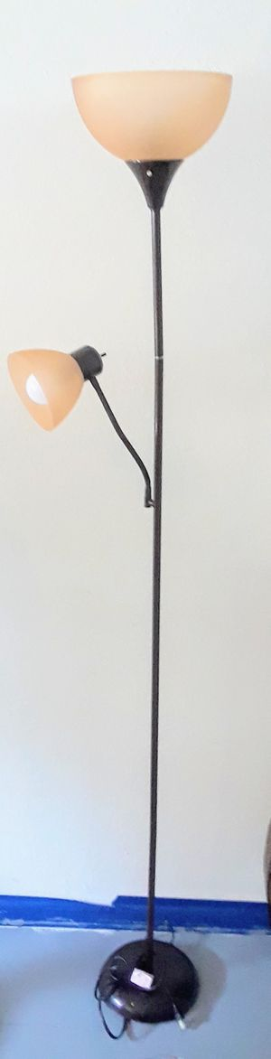 Nice Floor Lamp for Sale in Tampa, FL