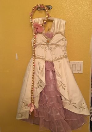 Disney's Rapunzel Dress w/ hair piece for Sale in Las Vegas, NV