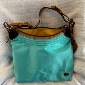 Teal Nylon DOONEY and BOURKE Purse for Sale in Decatur, AL