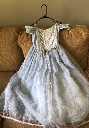 💙Beautiful 💙 Elegant Dress!...Make Offers too for Sale in Aurora, IL