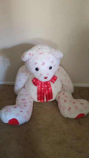 Life size teddy bear (like new) for Sale in Las Vegas, NV