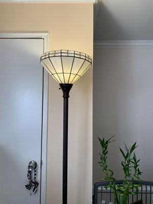 Floor Lamp for Sale in Belleville, NJ