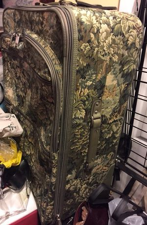 Floral Pattern Women's Large suitcase luggage for Sale in Fairfax, VA