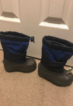 Columbia toddlers snow boots for Sale in Hyattsville, MD