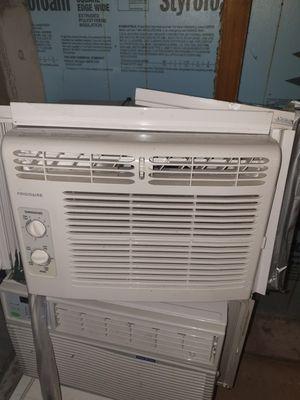 Frigidaire AC Window Unit for Sale in Aurora, IL