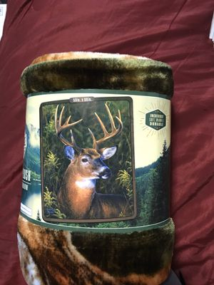 Buck Deer Royal Plush Raschel Throw for Sale in Sioux Falls, SD