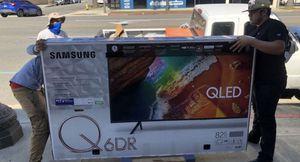 "82"" Samsung QLed Quantum smart 4K UHD TV for Sale in Riverside, CA"