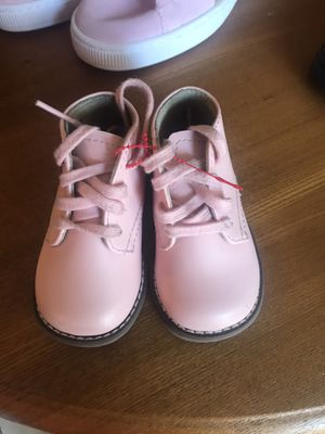 Baby girl hard bottoms and Nike boots for Sale in Memphis, TN