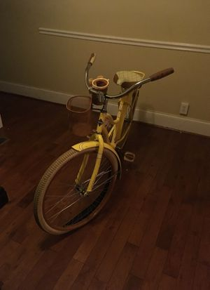 Nel Lusso Huffy (Yellow) Bike for Sale in Baltimore, MD