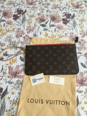 Louis Vuitton Neverfull GM Pouch,Wristlet New with tags for Sale in Nuevo, CA
