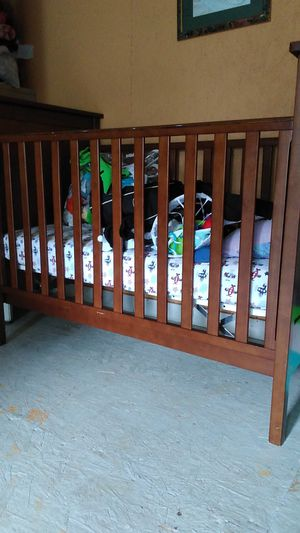 Baby crib for Sale in Douglasville, GA