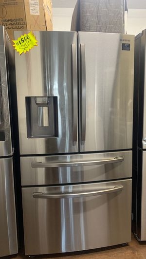 Samsung Stainless Refrigerator for Sale in Garden Grove, CA