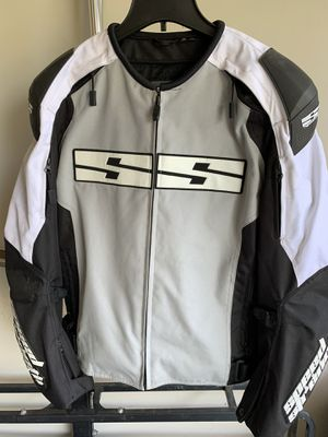 Speed and Strength light weight motorcycle jacket. Dingy but no rips or tears or road rash. for Sale in San Antonio, TX