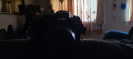 Panasonic Lumix g7 mirrorless camera with stock lens and SD CARD for Sale in Campbell,  CA