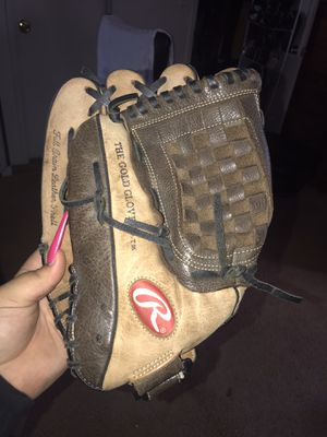 Left handed baseball glove for Sale in San Diego, CA