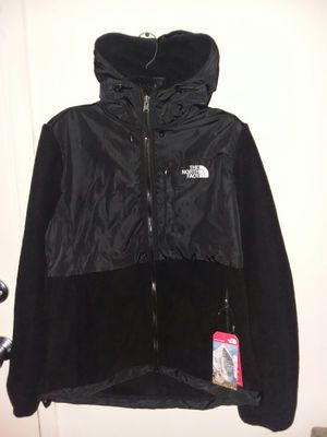 Women's North face Denali hoodie fleece jacket for Sale in Gaithersburg, MD