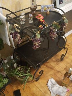 Wine Cart for Sale in Franklin Square,  NY
