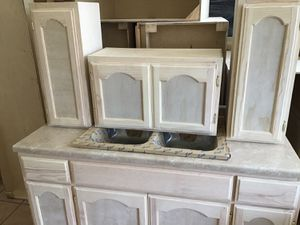 5ft set kitchen cabinets for Sale in CTY OF CMMRCE, CA