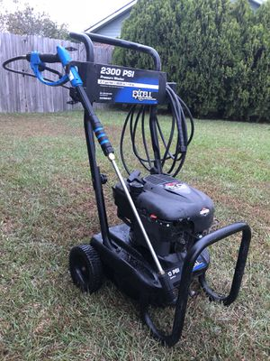 Pressure washer for Sale in Raeford, NC