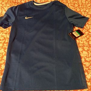 Nike Shirt for Sale in Phoenixville, PA