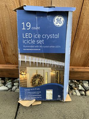 GE 19 Count Twinkling LED Ice Crystal Icicle Set for Sale in Lynnwood, WA