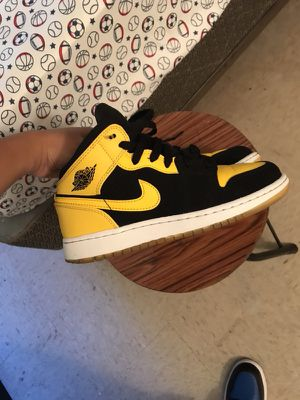 New love 1s❤️ size 4.5y will add uggs! for Sale in New York, NY